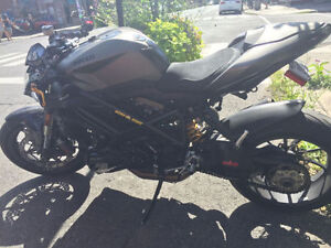 *Ducati Streetfighter 1098* Price reduced must sell!