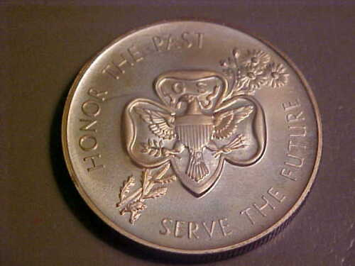 SCOUTING / GIRL SCOUT COMMEMORATIVE STERLING SILVER MEDALLION  / (GSA1A)