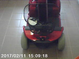 celebrity xl 4 wheel scooter red like new  1375.00 NEW BATTRIES