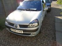 RENAULT CLIO 1.2CC SILVER 3 DOORS, NEW MOT, LOVELY EXAMPLE.