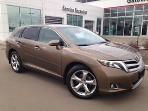 2013 Toyota Venza Touring Package V6 AWD, Heated Seats, Pano Roo