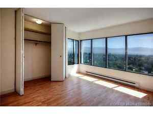 JUNE15th, 11th Floor with Fantastic View, 3 Bedrooms 2 Bathrooms
