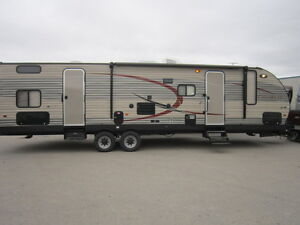 2016 30ft Luxury Travel Trailer with Bunkhouse for RENT!