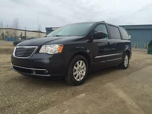 2014 Chrysler Town & Country~Leather~Sto n Go Seating ~ $164 B/W