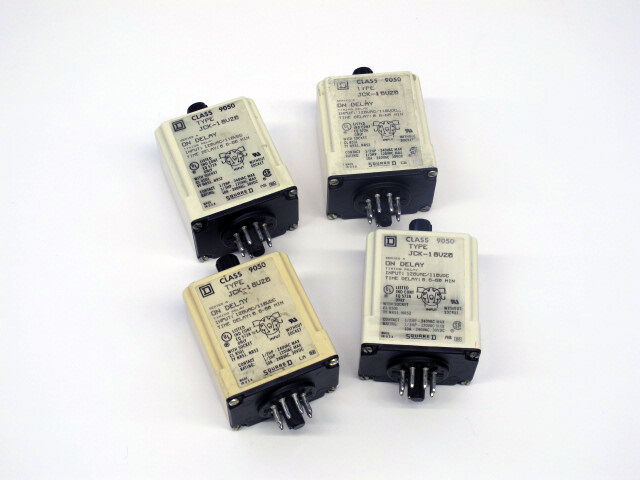 SQUARE D ELECTRICAL TIMING RELAY Type: JCK18V20 Used
