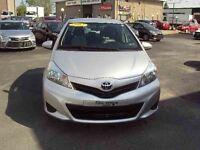 2012 Toyota Yaris 5-dr AIR CLIMATISÉ VITRES ÉLECTRIQUES