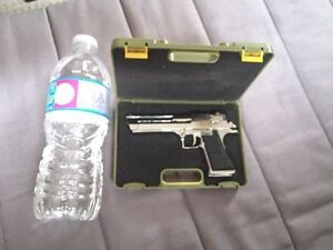 Collectable model ( IMI Desert Eagle) Kitchener / Waterloo Kitchener Area image 7