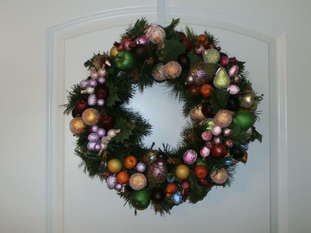 "Waterford Holiday Heirlooms Georgian Christmas Wreath Glass Birds Fruit 15"" Box"