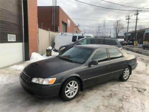 2001 TOYOTA CAMRY-V6  automatic- CUIR-TOIT-MAGS-  PROPRE-