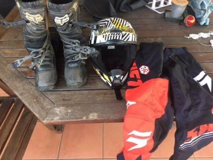 Fox Youth Comp 3 Size Y8 Black Boots, Thor Size YL, Youth Size 12