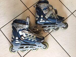 LIGHTLY USED  Women's Roller Blades / Skates  Size 7.5