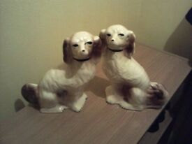Lovely Pair Of China Twin Dogs VGC £5