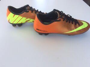 Souliers de Soccer Shoes NIKE MERCURIAL Adulte 7.5