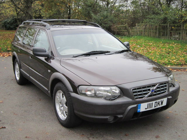 volvo v70 xc awd cross country 2 4 automatic estate. Black Bedroom Furniture Sets. Home Design Ideas