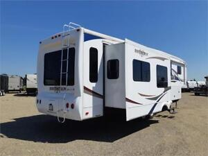 2010 Bighorn 3670RL fifth-wheel RV trailer
