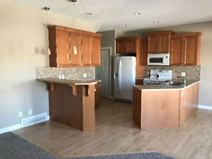 Single House in Coventry Hills near Airport for rent!!