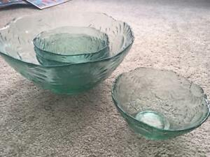 PIER 1 IMPORTS Glass Bowl Set (Blue/Green)