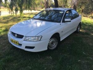 2006 Holden Commodore VZ MY06 Acclaim White 4 Speed Automatic Sedan Coonamble Coonamble Area Preview