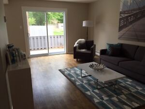 PET FRIENDLY RENOVATED THREE BDRM TOWNHOUSE IN NEPEAN!!