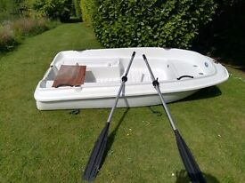 Rigiflex Cap 300 white tender with oars and rowlocks-never used £875.00