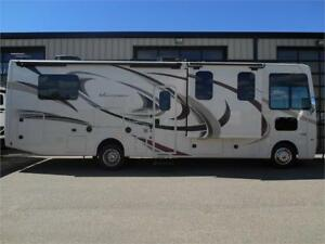 2018 HURRICANE 31Z by Thor Motor Coach