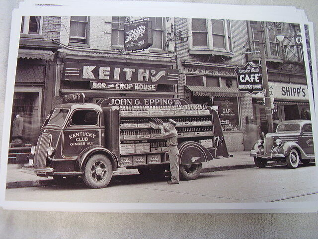 1930 'S  INTERNATIONAL TRUCK   11 X 17  PHOTO PICTURE  ANYONE ID CARS?