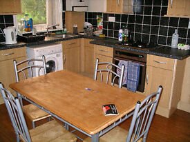 3 bedroom flat in Station Road, Gosforth, Newcastle Upon Tyne