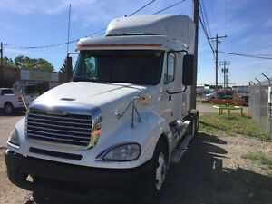 2009 FREIGHTLINER  SMALL SLEEPER COMING SOON