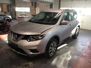 2015 Nissan Rogue S *AWD/Back up Cam