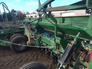 1997 Great Plains 3010NT Solid Stand 30 Foot Drill London Ontario image 2