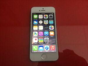 [SpeedJOBS] iPhone 5S, Unlocked, BK/GD/SL, Very Mint!