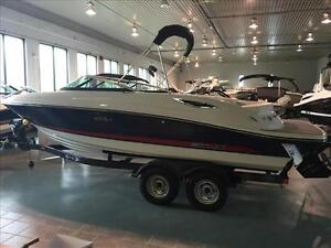 New 2016 Sea Ray 230 SLX