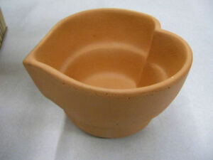 Bennington Potters Terra Cotta Clay Tall Heart Baker Bowl Kitchener / Waterloo Kitchener Area image 2