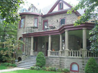 Large One Bedroom Apt. in Historical (4 unit) Home in Leamington