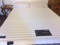 Brilliant NEW Mattress. Mammoth Performance 220 Medical Grade. Double. £400 (RRP £1069) Immaculate