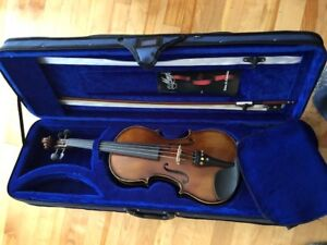 Menzel Full size 4/4 Violin - Excellent condition!!