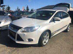2012 FORD FOCUS TITANIUM FULLY LOADED WITH BACKUP CAMERA