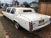 Cadillac strech Limo