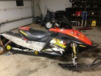 COMPLETE PART OUT Skidoo Summit 800