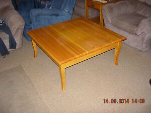 Coffee table for sale London Ontario image 2