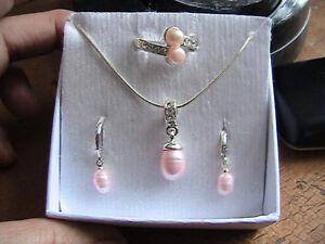 ensembles de bijoux  Avons