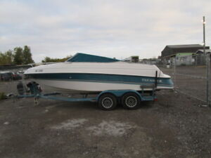 1993 FOUR WINNS 22 FOOT WITH TRAILER