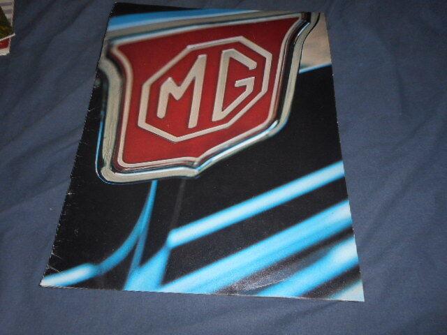 1974 MG MGB and MGB/GT USA Market Color Original Brochure Catalog Prospekt