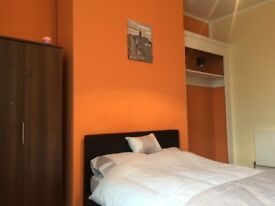 ROOMS TO RENT ON ASHGROVE - WIFI INCLUDED - ALL BILLS INCLUDED - STUDENTS ACCOMMODATION - CALL NOW