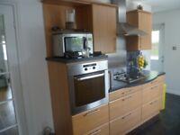 Kitchen Integrated Oven, Hob, Hood and Splashback
