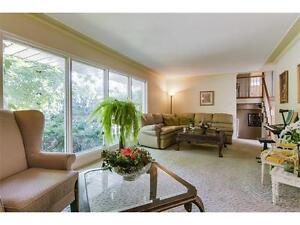 Gorgeous home with furniture for sale in Westmount area Kitchener / Waterloo Kitchener Area image 2