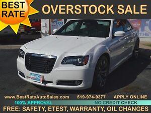 """""""2014 Chrysler 300  300S - leather, nav, sunroof - $103 PER WEEK"""