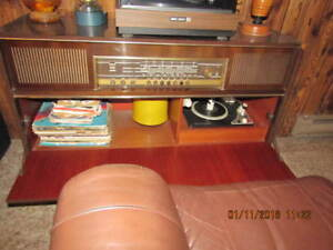 Grunding stereo console Mandello