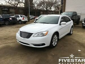 2013 Chrysler 200 (Guaranteed Financing Or We Give You $1000)
