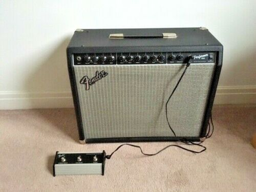 Fender Performer 1000 Amp & Foot Switch - Excellent Condition